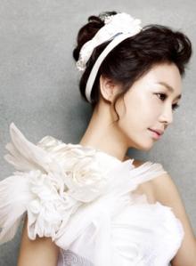 Korean Wedding. Korean Hair & Makeup. Korean Wedding Photo. Korean Concept Wedding Photography. IDOWEDDING