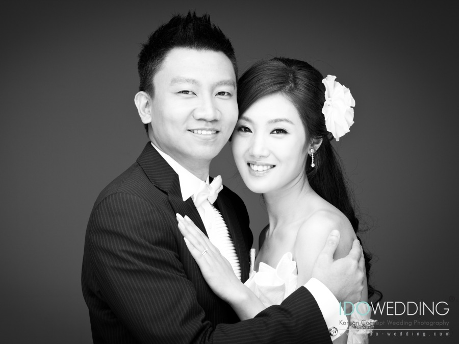 Korea Wedding, Korea Wedding Photo, Korean Wedding, Korean Wedding Photography, Korean Pre-wedding Photo, Korean Concept Wedding Photography, Korean Wedding Gown, Korean Hair & Makeup, Korean Travel Tips, Singapore Wedding Photography, We Got Married, IDOWEDDING, wedding photo, wedding photography, wedding photo korea, wedding photography korea, destination photography, wedding photo singapore, wedding photography singapore