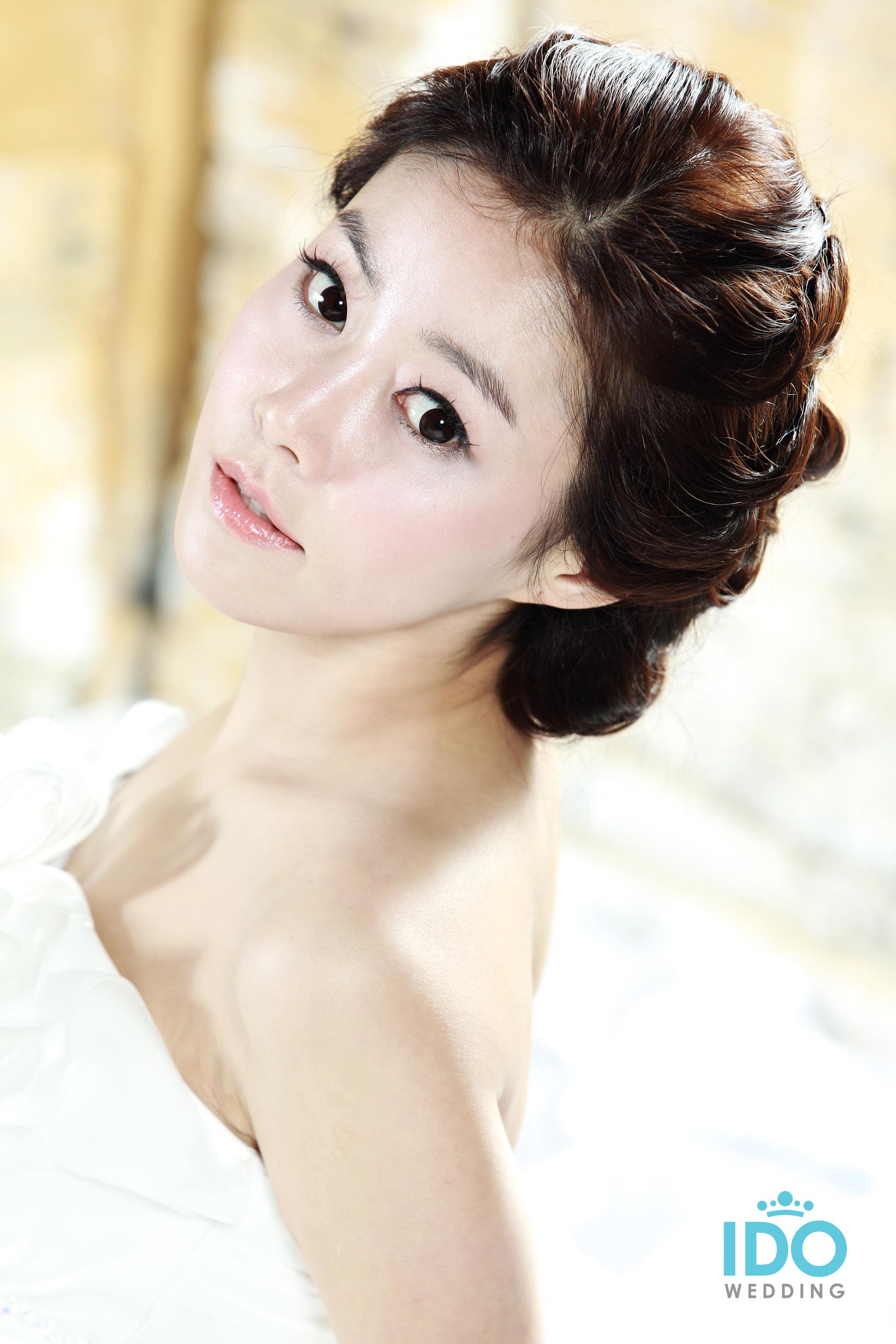 Bridal Hairstyle Korean: Korean bridal hairstyles wedding stuff.