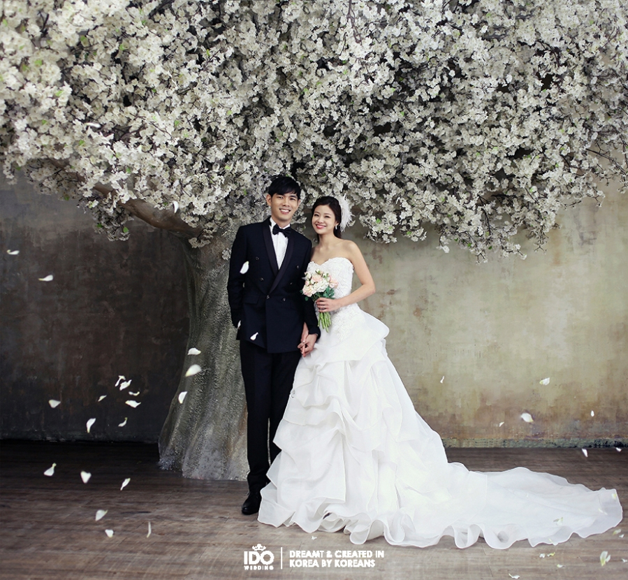Korean Celebrity Wedding Photos: Korean Wedding Hair & Makeup